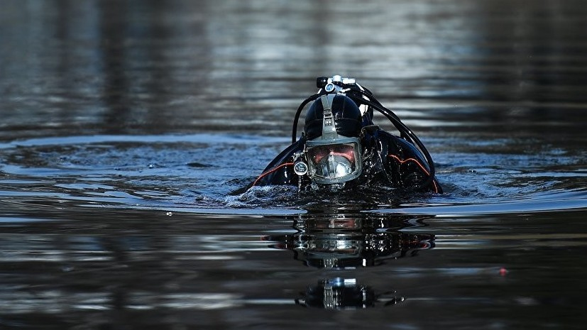 Водолазы Черноморского флота отрабатывают спуски на морские глубины до 60 метров