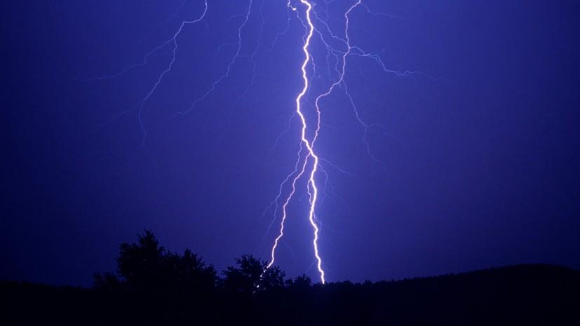 В Курганской области мужчину убило молнией