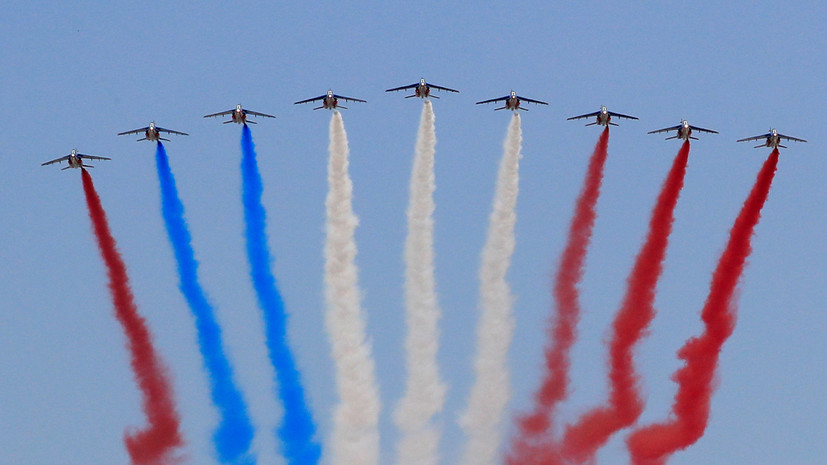 Пилотажная группа неправильно изобразила цвета флага Франции на Дне взятия Бастилии