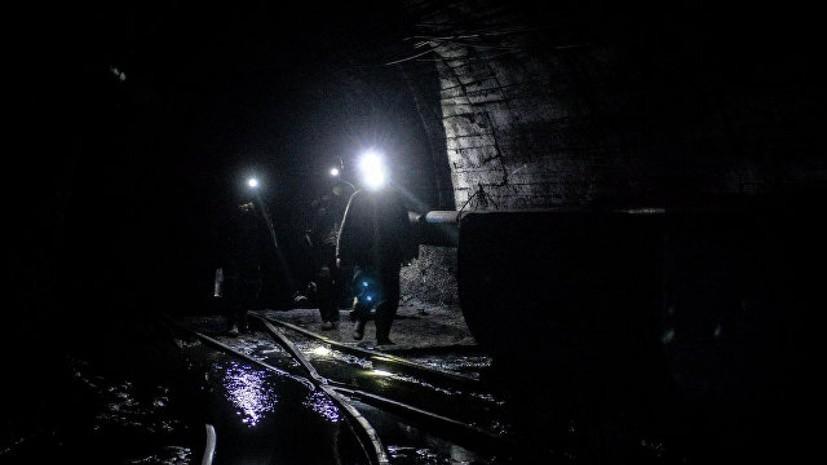 На Украине спасли застрявших под землёй шахтёров