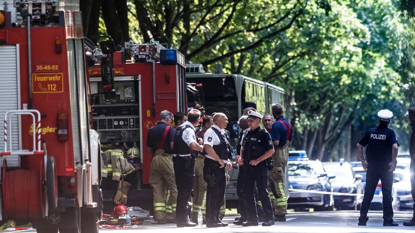 «Важно не поощрять спекуляции»: что известно о нападении с ножом на пассажиров автобуса в Германии