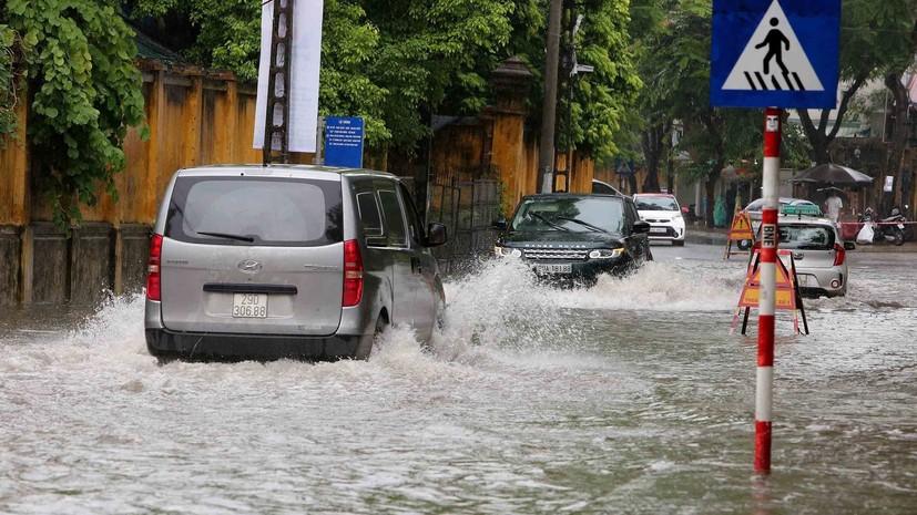 СМИ: Во Вьетнаме из-за наводнений погибли десять человек