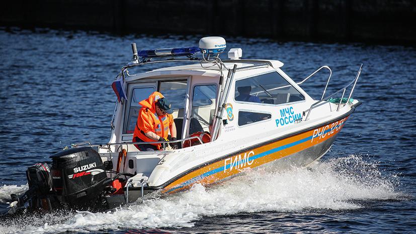 «Во время переправы»: трое детей погибли при опрокидывании лодки под Астраханью