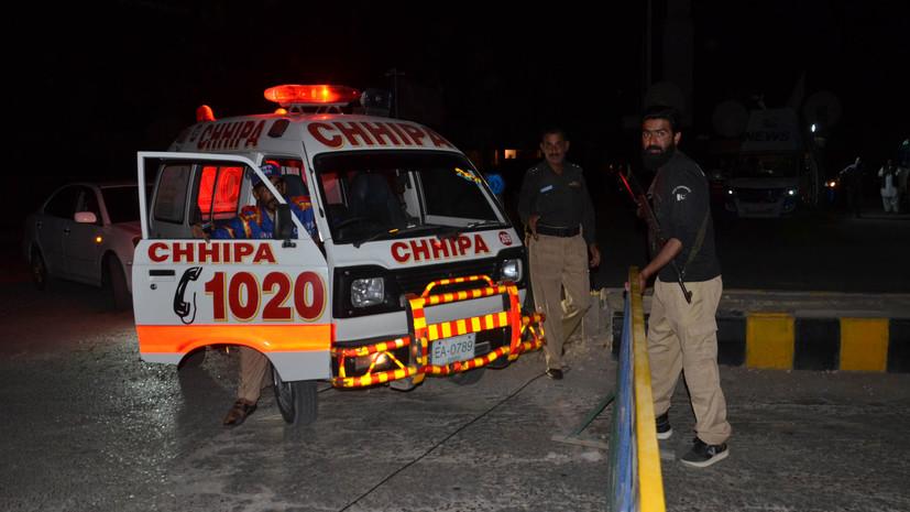 В Пакистане 20 человек пострадали в результате взрыва гранаты в офисе политической партии