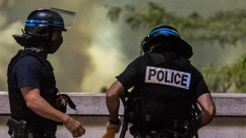 Избивший манифестанта советник Макрона заявил, что хотел помочь полиции