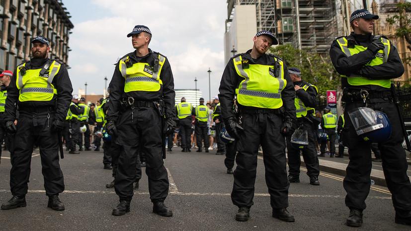 В Лондоне установили кордоны в одном из районов города из-за нападения неизвестного с ножом