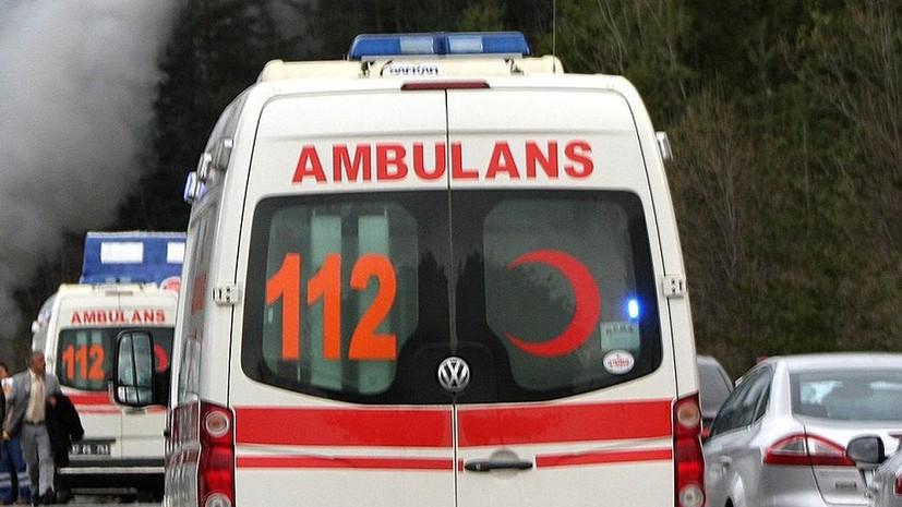Скончался упавший с девятиметровой высоты в аэропорту Турции ребёнок из России