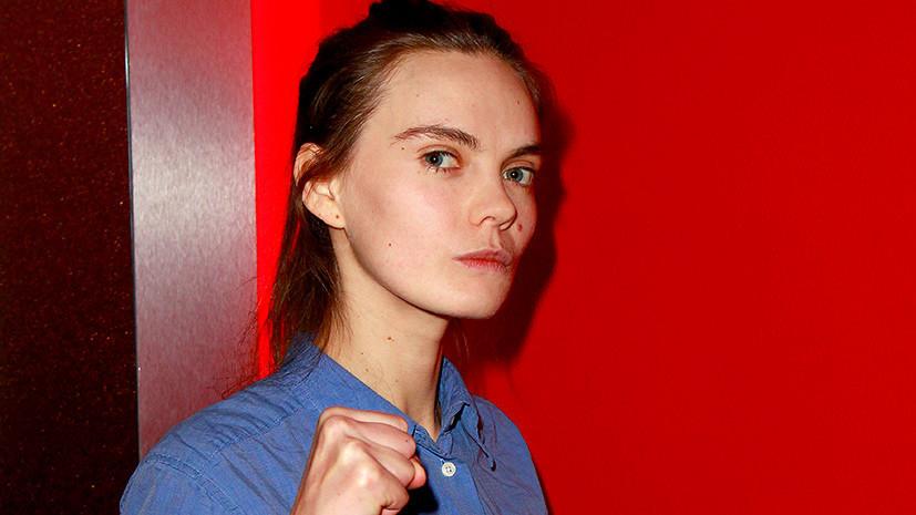 СМИ: В Париже покончила с собой одна из основательниц движения Femen
