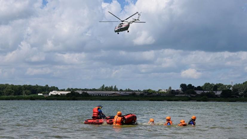 Спасатели ищут пять человек с перевернувшегося в Хакасии катамарана