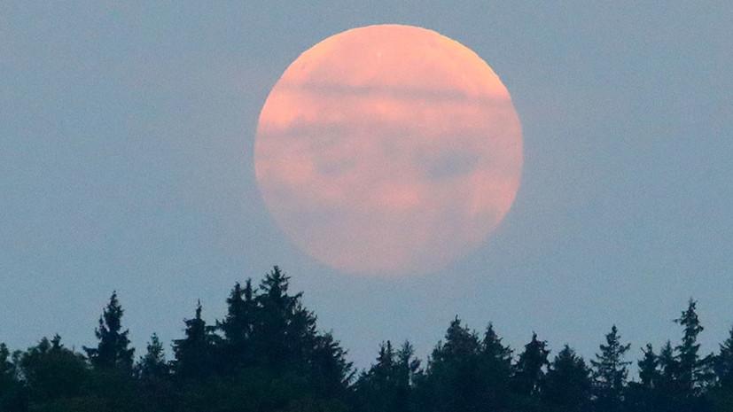 От Европы до Антарктики: жители Земли делятся съёмками лунного затмения