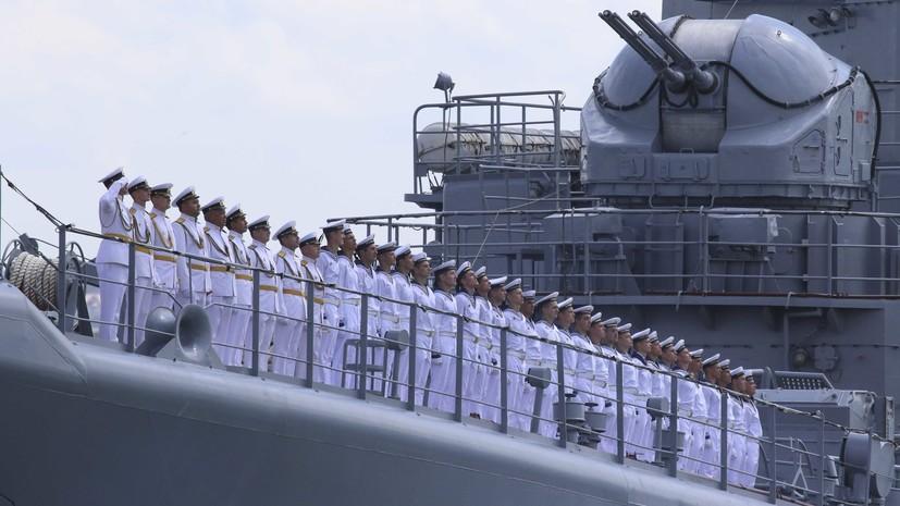 Медведев участвует в мероприятиях ко Дню ВМФ в Севастополе