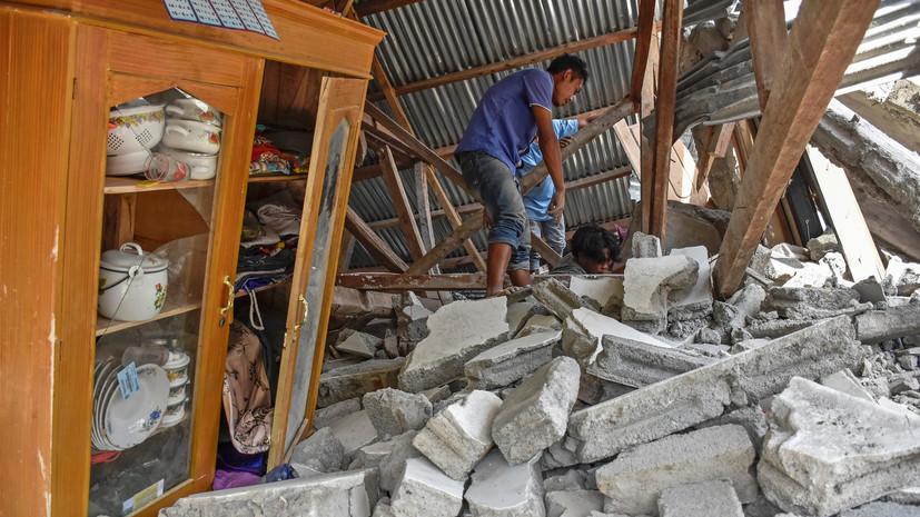 Дипломаты выясняют, пострадали ли россияне при землетрясении в Индонезии