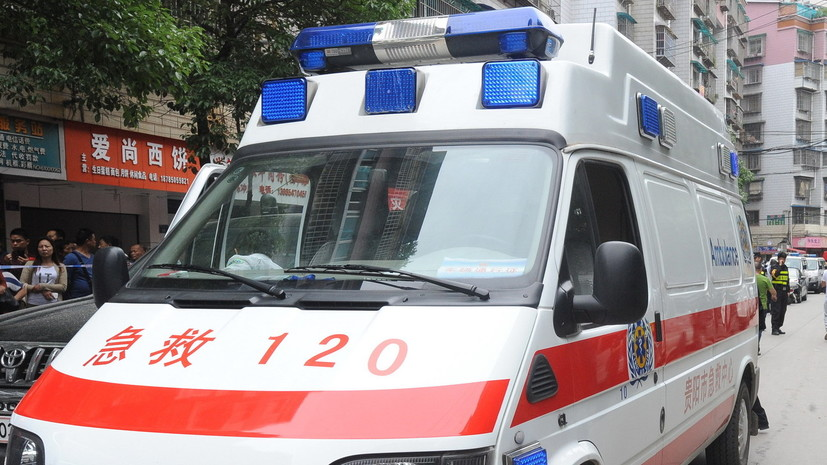 В результате ДТП с участием автобуса в Китае пострадал 21 человек