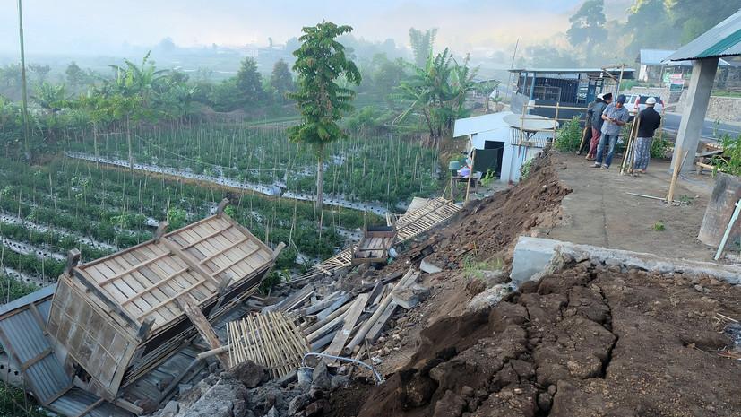 Более 500 туристов оказались заблокированы на горе в результате землетрясения в Индонезии