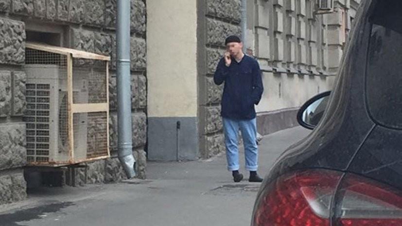 Следствие требует ареста обвиняемого в нападении на полицейского в Москве