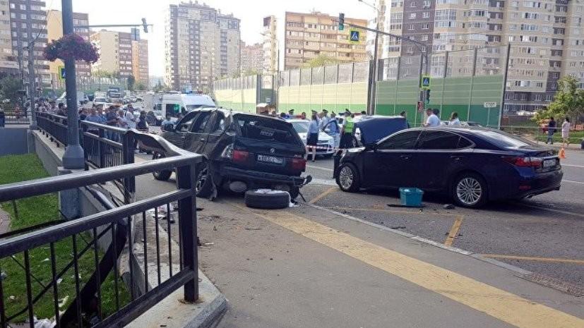Полиция опрашивает сбившего пешеходов в Новой Москве водителя