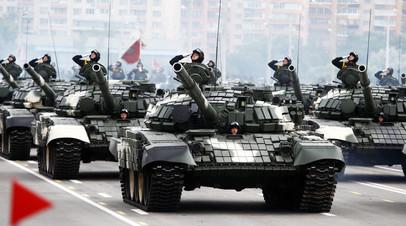 Колонна танков Т-72Б проходит по центру Минска © Vasily Fedosenko