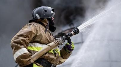 В Ижевске во время пожара на оружейном заводе рухнул шпиль башни