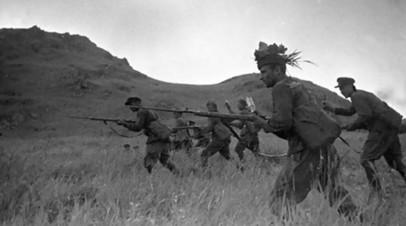 Пехотинцы 120-го Стрелкового полка 40-й Стрелковой дивизии