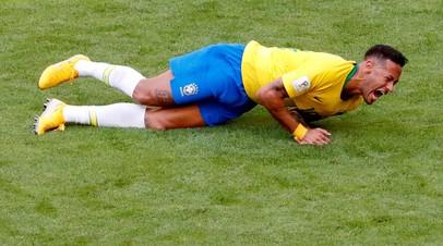 Бразильский нападающий Неймар © David Gray/File Photo