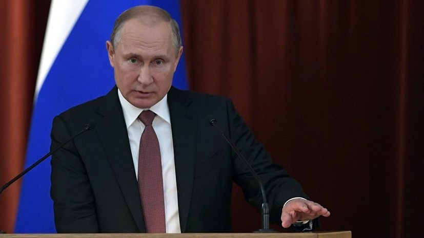 Путин поздравил десантников с Днём ВДВ