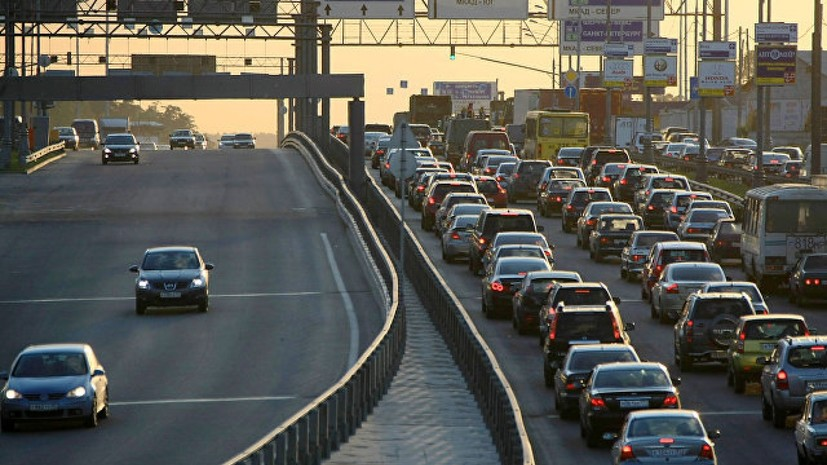 Эксперт оценил законопроект о смягчении наказания за выезд на встречную полосу