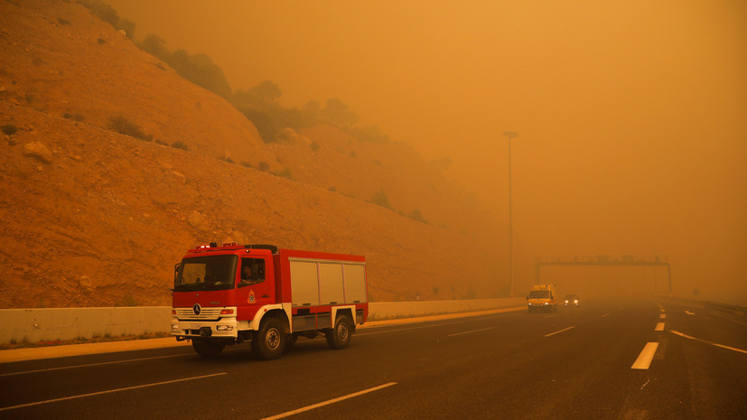 Ципрас объявил о реорганизации системы гражданской обороны в Греции после пожаров