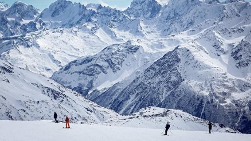 На Эльбрусе спасли попавшего в ледовую трещину альпиниста из Москвы