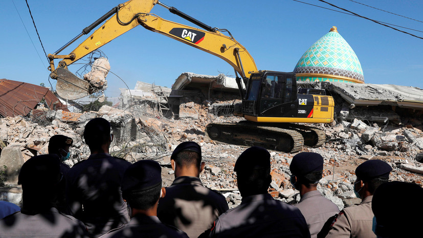 Число погибших в результате землетрясения в Индонезии увеличилось до 436