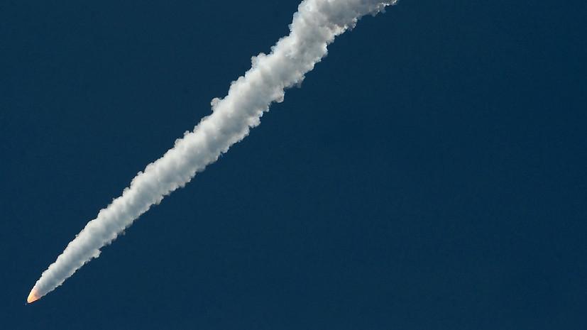 Министерство обороны Ирана представило баллистическую ракету нового поколения «Фатех». ©