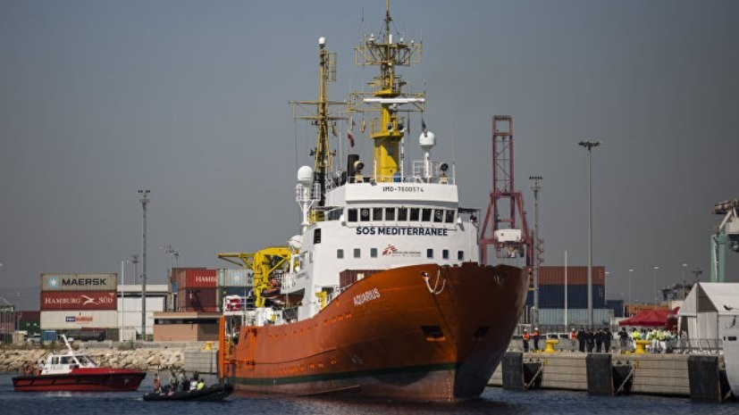 Глава МВД Италии снова отказал судну «Аквариус» в доступе к портам страны