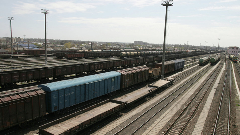 На Кубани проводят проверку после схода с рельсов семи грузовых вагонов