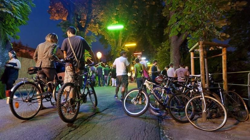 В Новокузнецке прошла акция «Велоночь», сообщает «ВашГород.ру» со ссылкой на