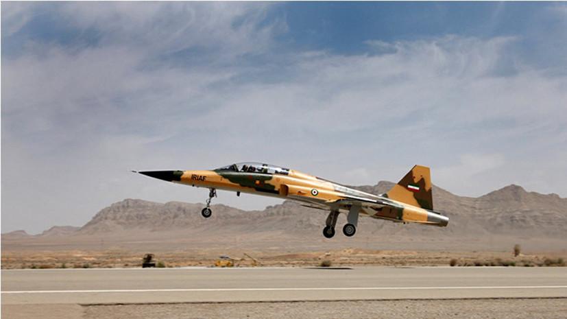 СМИ: Иран показал первый истребитель собственного производства