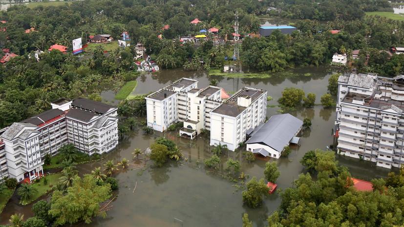 В Индии из-за наводнений более миллиона человек были вынуждены покинуть свои дома