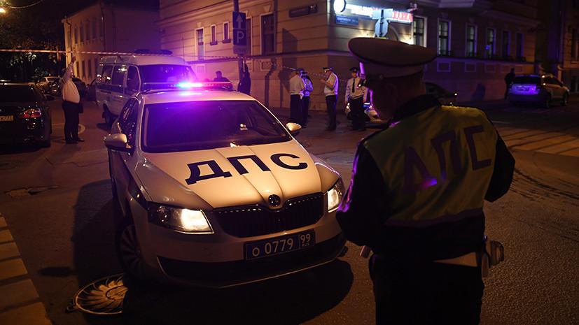Источник: в больнице умер напавший на полицейских в центре Москвы
