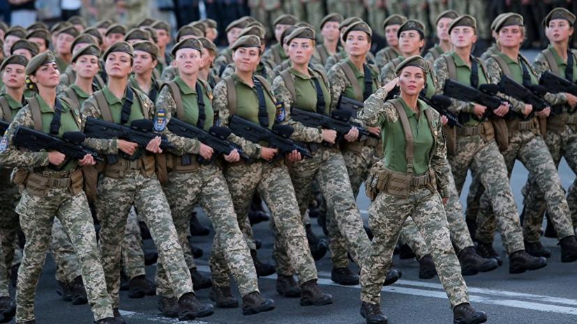 Порошенко начал военный парад словами из гимна Организации украинских националистов
