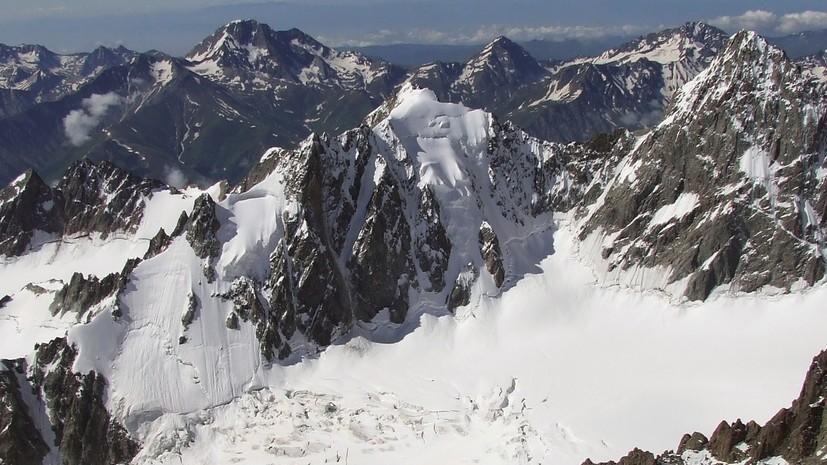 На Эльбрусе застряли альпинисты — погибло 5 человек