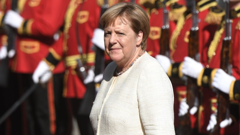 Меркель заявила о готовности Германии взять ответственность в урегулировании карабахского конфликта