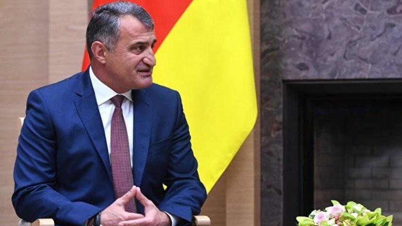 Лидер Южной Осетии пригласил Меркель в республику