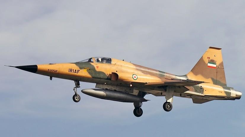 СМИ: В Иране потерпел крушение военный самолёт