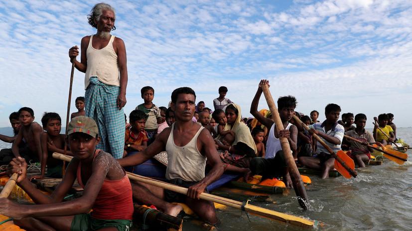 В Испании около 50 беженцев на резиновой лодке причалили к пляжу с туристами
