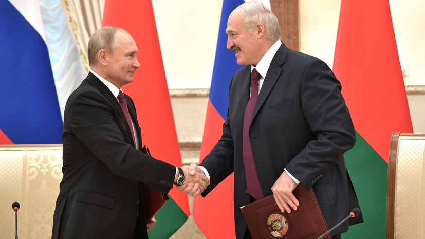 Путин поздравил Лукашенко с днём рождения