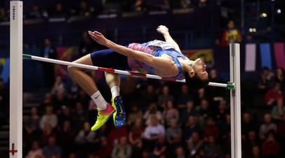 Российский прыгун в высоту Данил Лысенко