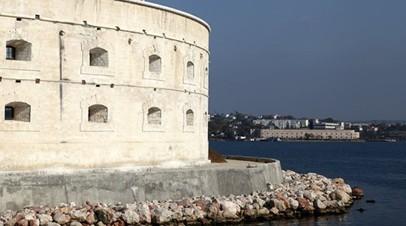 Из центра Севастополя запустили постоянное катерное сообщение с Константиновской батареей