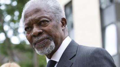 Макрон прокомментировал смерть Кофи Аннана