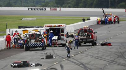 Пилоту IndyCar Уикенсу потребовалась операция на позвоночнике после аварии в Поконо