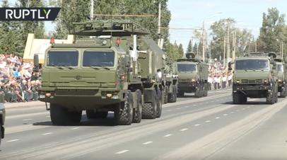 Военный парад в честь 75-летия победы на Курской дуге — видео