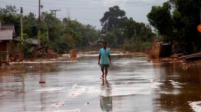МЧС России доставило около 36 тонн гумпомощи в пострадавший от наводнения Лаос