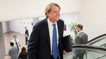 Давший показания по делу о «вмешательстве» советник Трампа уйдёт в отставку